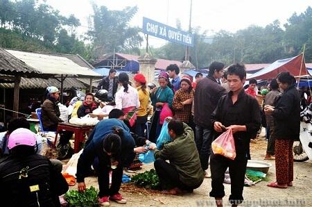 Đến thăm các khu chợ nổi tiếng ở vùng cao việt nam