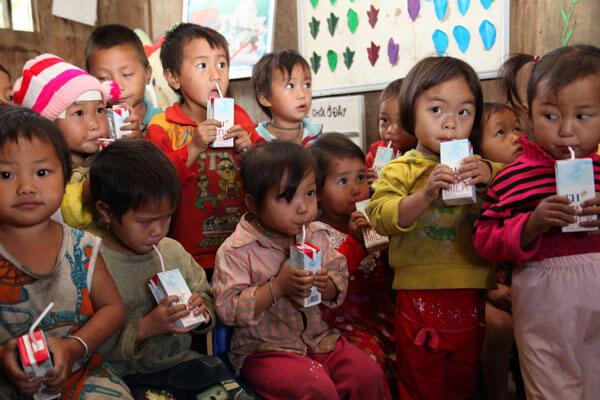 Trải nghiệm làm từ thiện cho các trẻ em ở vùng cao